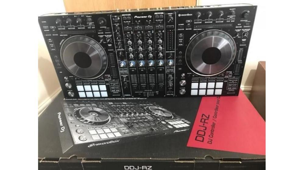 Pioneer DDJ SX3....€500 Pioneer XDJ RX2...€800 Pioneer XDJ-700….€400