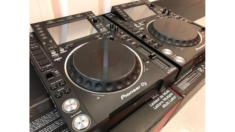 2x Pioneer CDJ-2000NXS2 + 1x DJM-900NXS2 mixer = $2000