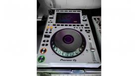 Pioneer CDJ-3000 DJ Multi Player =1400 EUR , Pioneer CDJ-2000NXS2 Multi Player =1000 EUR