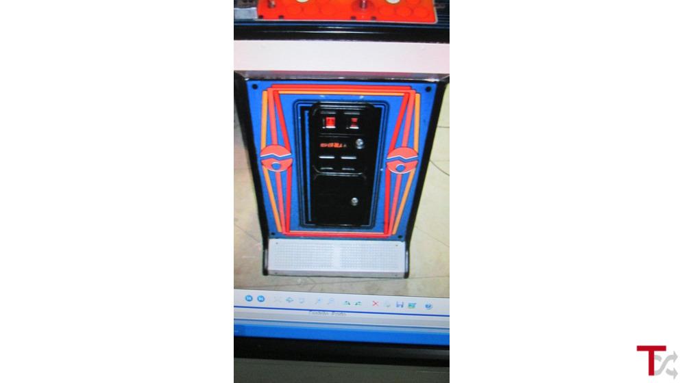 Máquina com jogos  arcade original Pinbal action ano 1985