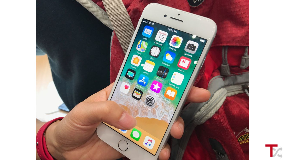 original iPhone 8 Plus com relógio ..€300 euros