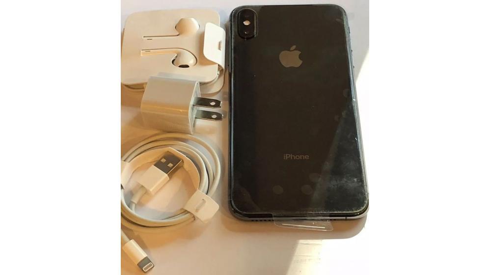 Apple iPhone XS Max 256GB Unlocked == $650